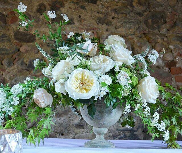 Composizioni artistiche con fiori meravigliosi. Pezzi Unici / Luxury artistic floral arrangement. Unique pieces.