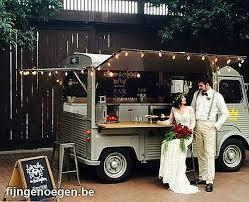 Hochzeits-Arrangement ab: