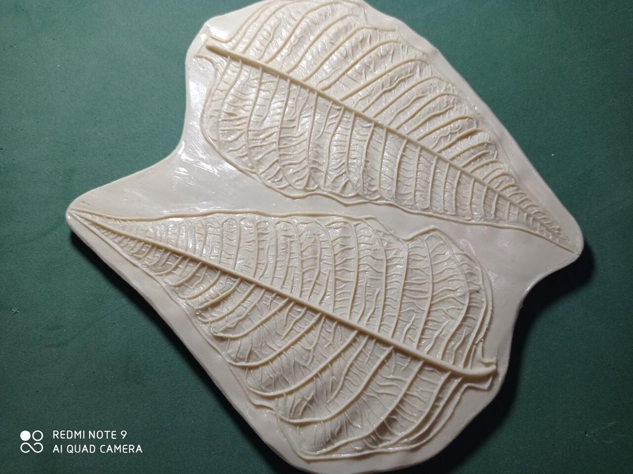 Молд (1шт) Листья Пуансетия 15х8 и 15,5х8,5см  (на одном молде два листа)