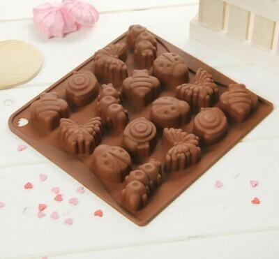 Форма для льда и шоколада Доляна «Насекомые», 18×17 см, 16 ячеек, цвет шоколадный