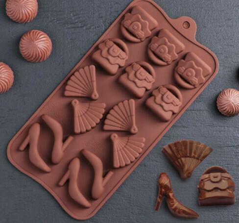 Форма для льда и шоколада Доляна «Дамский набор», 21×11×1,5 см, 14 ячеек