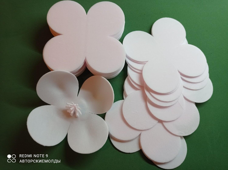 Светло-розовый Зефирный Фоамиран, 2мм. Вырубка Четырехлистник, 13х13см (упаковка 15шт)