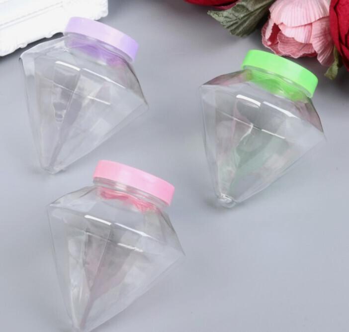Пластиковый Контейнер 8х6см с резьбой (используется как плафон в декоре)