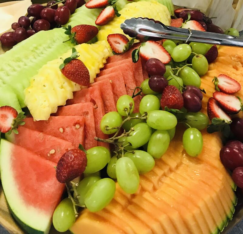 Freshly Cut Seasonal Fruit Platter