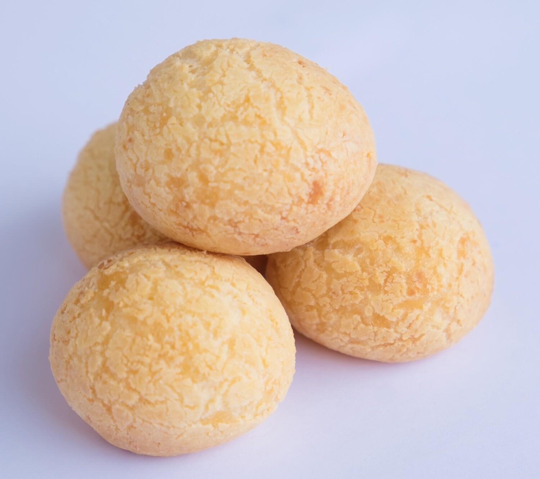 Brazilian traditional cheese bread GF (30)