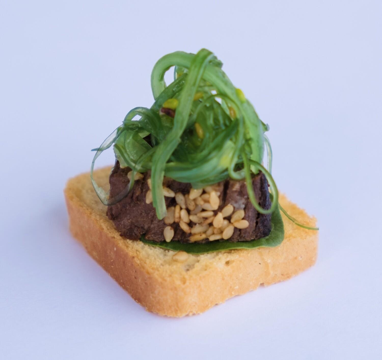 Sesame crust Ponzu beef and wakame salad (20)