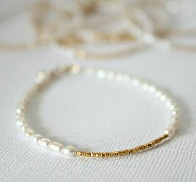 Gold plated bracelet with natural pearls, 4-5mm