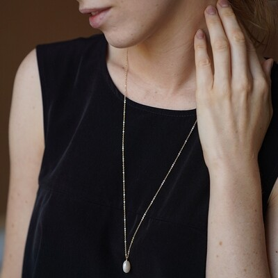 Long 70cm gold plated necklace with natural pearl