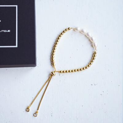Natural pearl bracelet with adjustable length