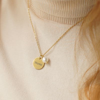 Gold or silver plated pendant with Your engraved text + pearl