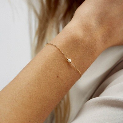 Gold plated bracelet with natural pearl, 6mm