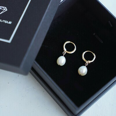 Gold plated earrings with natural pearls, 8-9mm