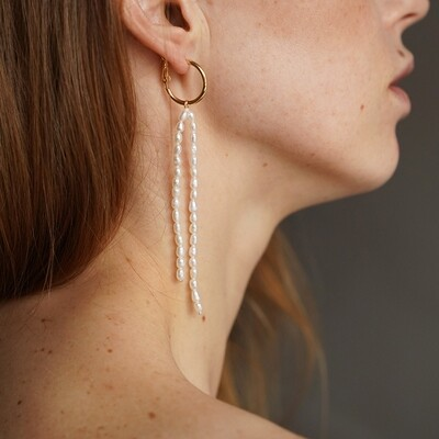 Asymmetrical earring with natural pearls (2 in 1)