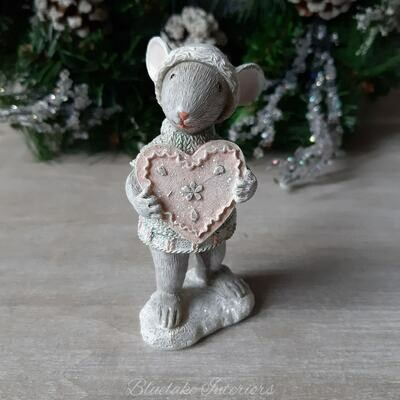 Gorgeous Christmas Mouse Holding Pink Heart