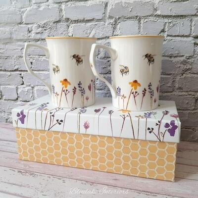 Jennifer Rose Busy Bees Design Set of 2 Gift Boxed Mugs