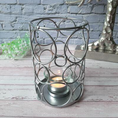 Contemporary Silver Circle Design Metal Tea Light Candle Holder