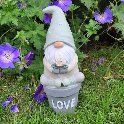 Potting Shed Garden Gnome Ornament Love Design Gift Boxed