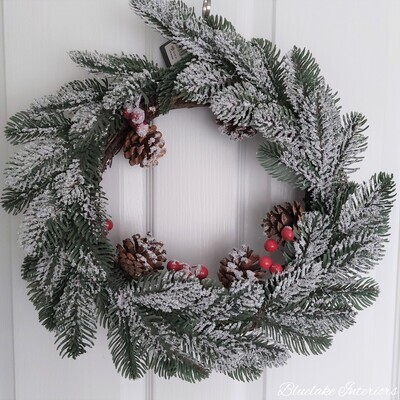 Faux Christmas Wreath Berries & Pinecones