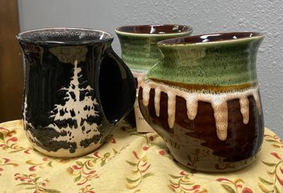 Artful Tag Mugs (Assorted Colors)