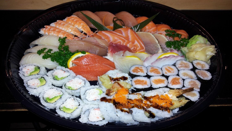 Sashimi & Sushi Tray B