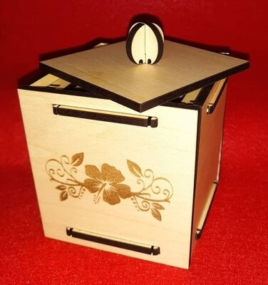 Small trinket box with lid