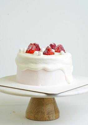 Snowy Strawberry Short Cake