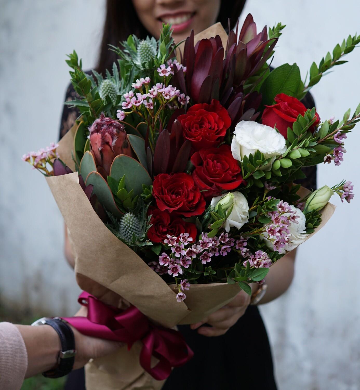 Florist's choice BOLD RED