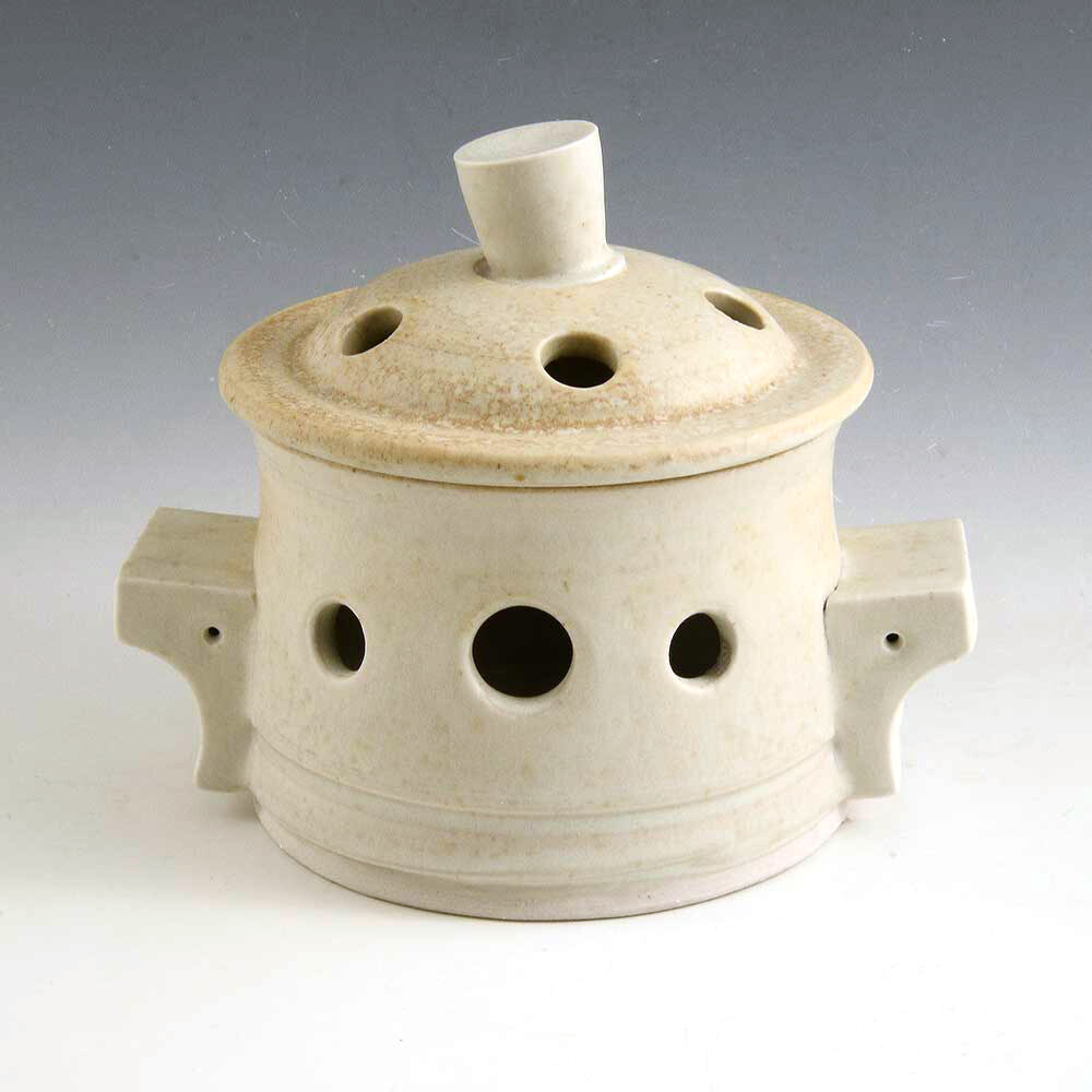 Garlic Keeper Porcelain from the potters wheel