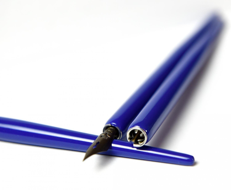 Деревянный держатель для пера (синий)