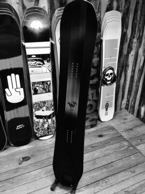 THE STALLION - BATALEON Snowboard