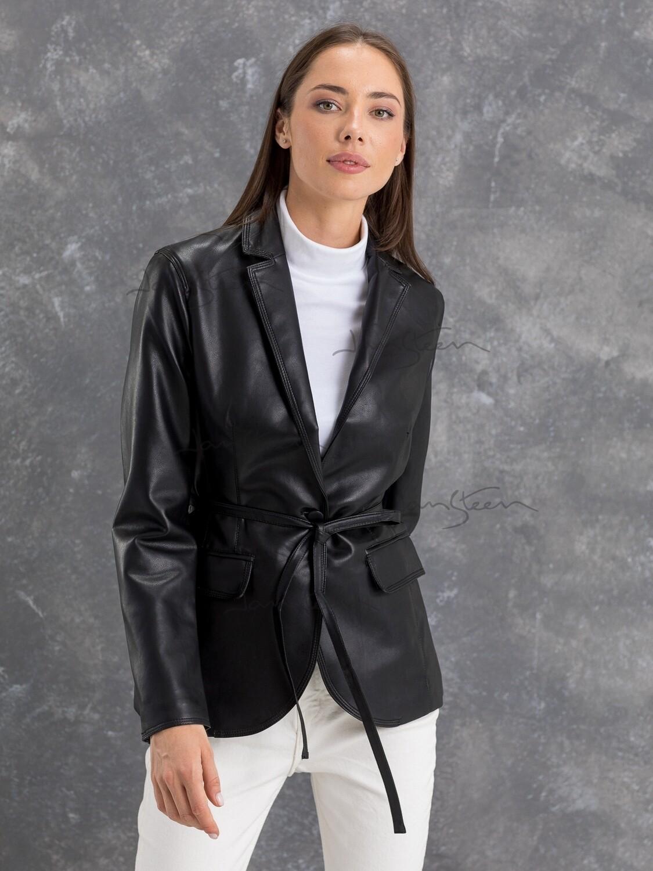Куртка черный JW21227