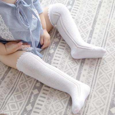 Calcetas Caladas Tejidas Blancas