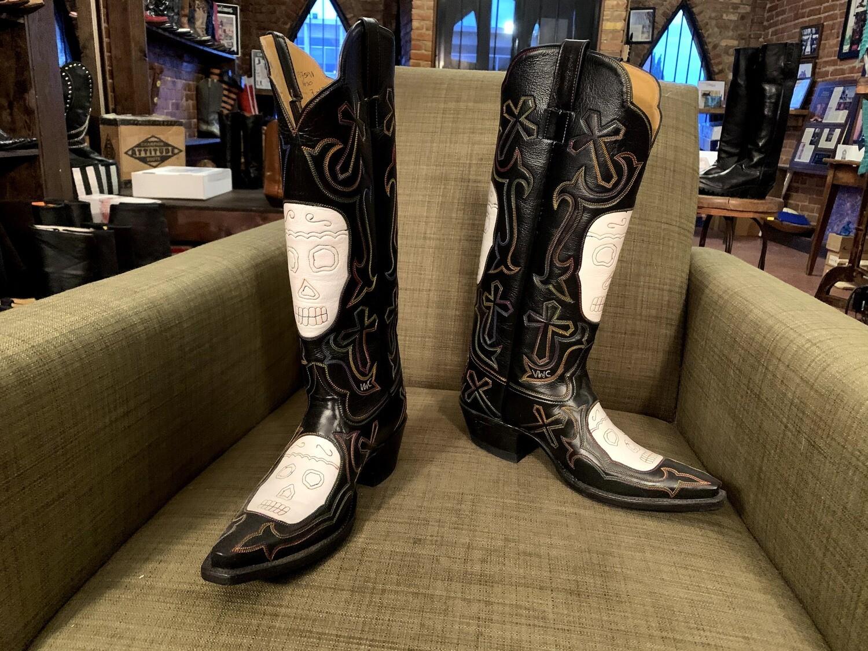 skull cowboy boots 9B closeout