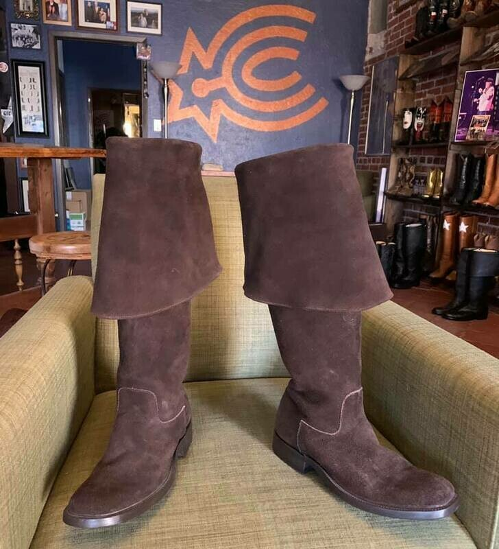 10.5D Sparrow boots brown suede closeout