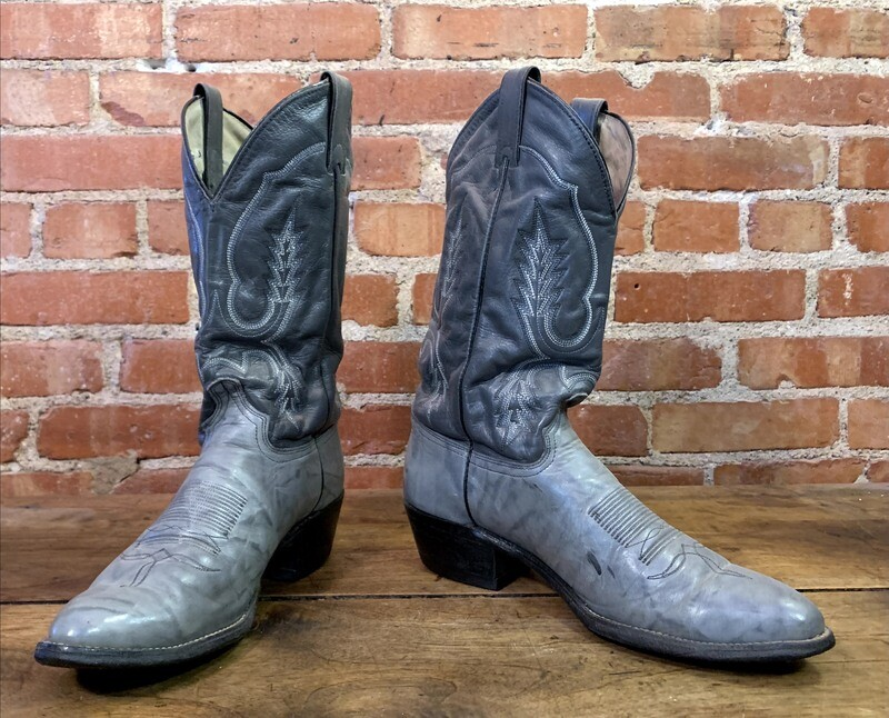 10D Men's Gray Smooth Cowhide Boots Closeout / pre loved