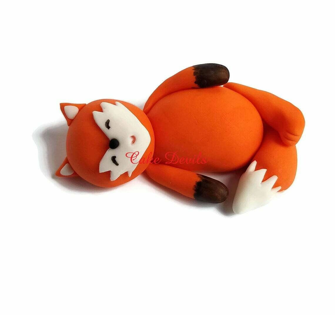 Fondant Sleeping Fox Cake Topper