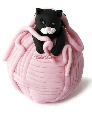Fondant Cat on a Big Yarn Ball Cake Topper, Cat and yarn Cake Topper, birthday cake, Cat Cake Decorations, handmade