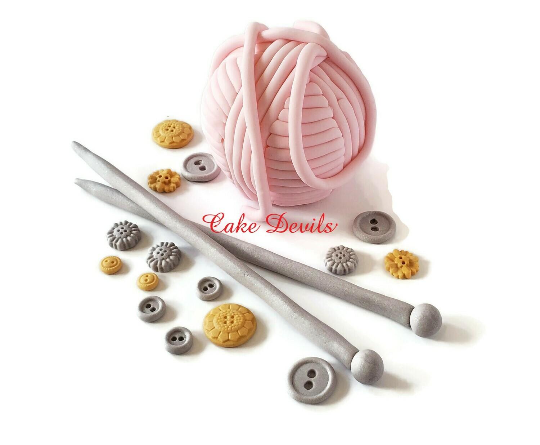 Knitting Cake Decorations, Big Fondant Cat Yarn Ball Cake Topper, Knitting needles, Fondant Buttons, birthday cake, handmade