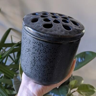 Ikebana Frog Vase / Large