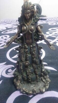 Statue - Danu