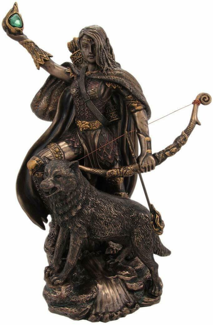 Statue - Skadi