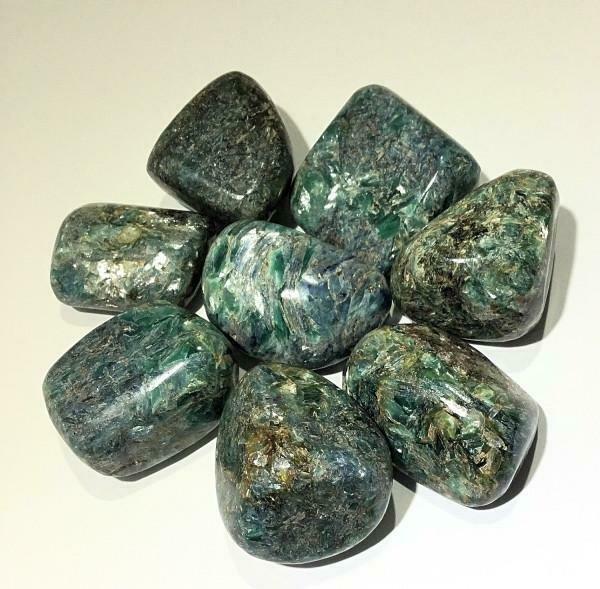 Stone - Green Kyanite