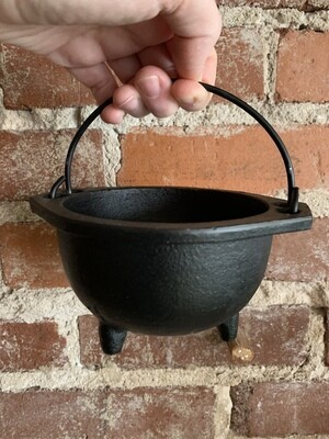 Cast Iron Cauldron 6