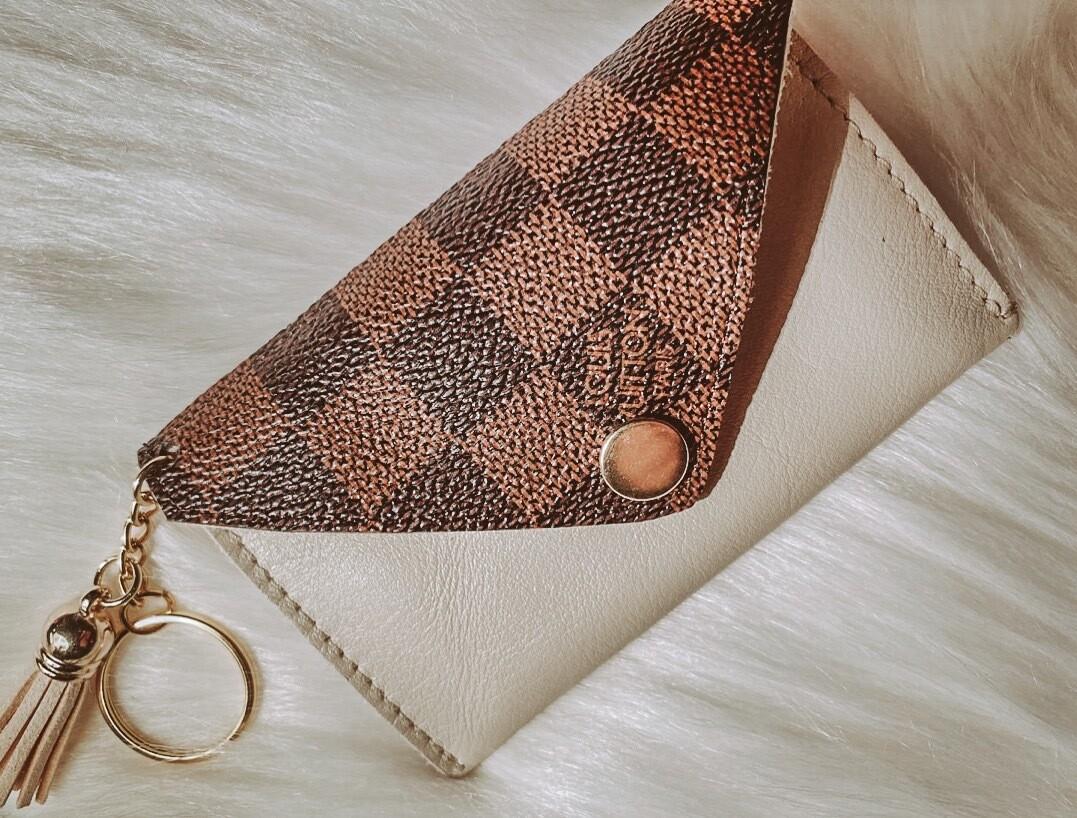 Beige Louis Vuitton Cardholder
