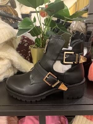 Boots Frieda