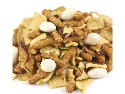 Dutch Apple Crisp Snack Mix