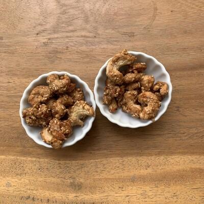 Receta: Nueces de la india garapiñada con ajonjolí