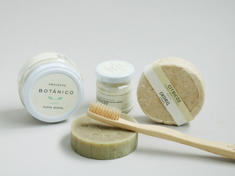 Kit básico de higiene personal