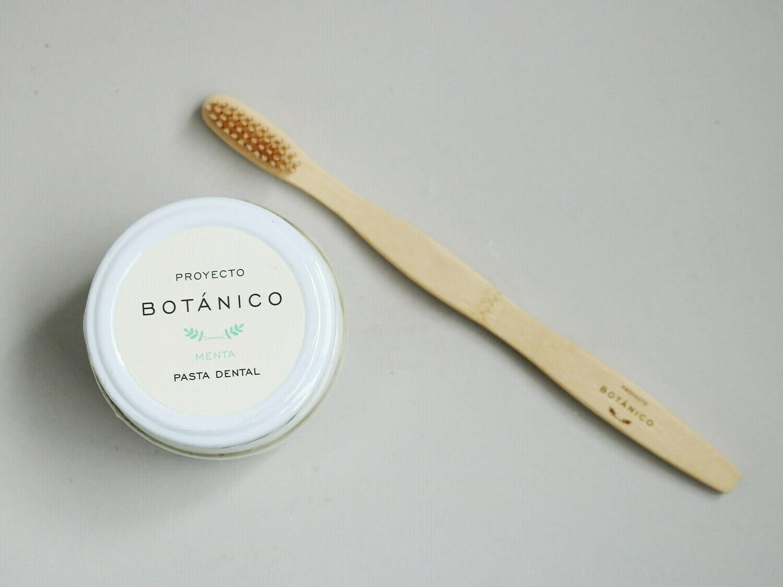 Combo pasta dental + cepillo