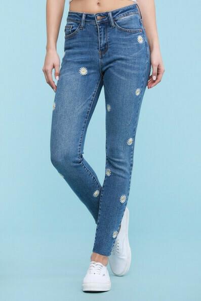 Daisy Jeans Sizes 22, 20 & 14 Left!!  Cute!!!